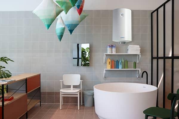 Водонагреватель NTS Superlux 100 V монтаж на стену ванной комнаты