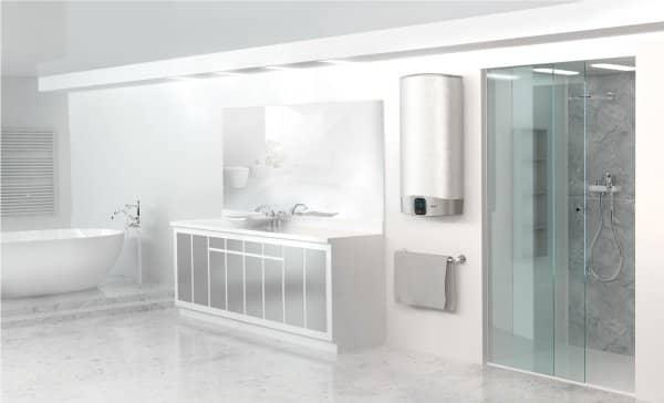Бойлер Ariston ABS VLS EVO WIFI PW 80 V в интерьере ванной комнаты