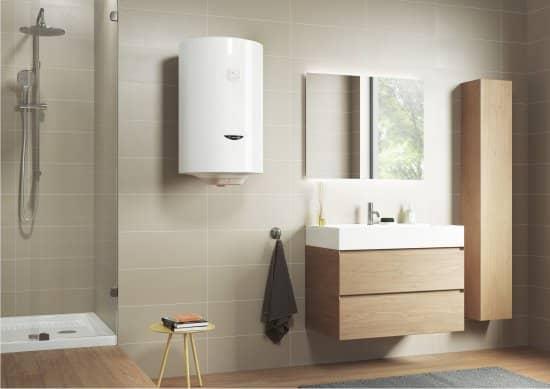 Бойлер Ariston PRO1 R ABS 50 V SLIM в интерьере ванной комнаты