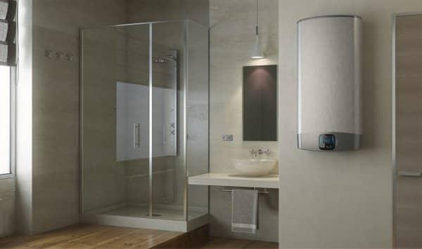 Бойлер Ariston VLS EVO DRY 50 V в ванной комнате